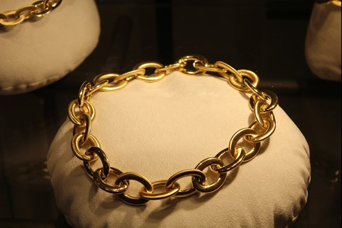Jewellery: how to spot a fake - Valuables Blog